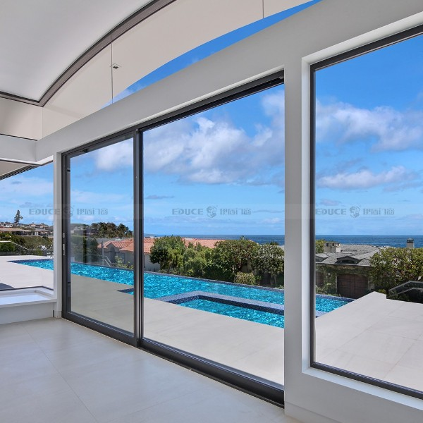 玻璃阳台推拉门-伊盾门窗-伯爵